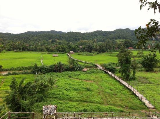 เยี่ยมชมสวนธรรมภูสมะ, ซูตองเป้-สะพานแห่งศรัทธา ณ เมืองสามหมอก