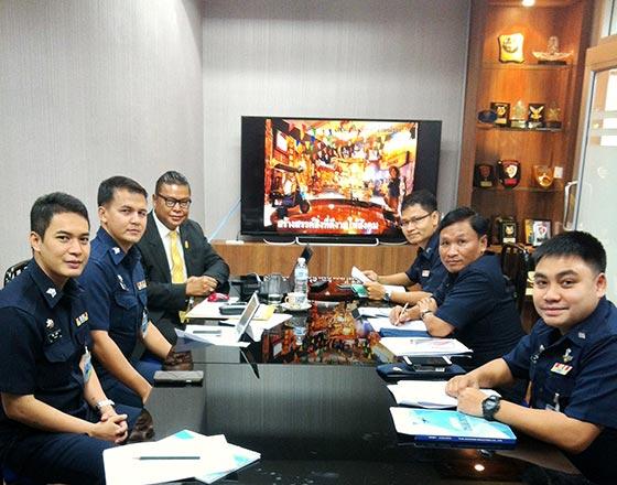 ร่วมกับกองทัพอากาศ และสำนักงานเสริมสร้างเอกลักษณ์ของชาติ  ส่งเสริมผู้ช่วยทูตฝ่ายทหาร  เผยแพร่เอกลักษณ์ไทยในต่างประเทศ